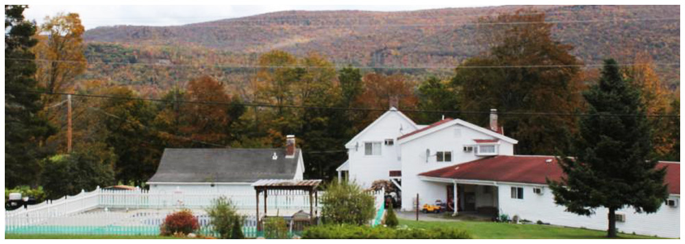 Four Winds Country Motel - Fine Lodging in Manchester Center Vermont.
